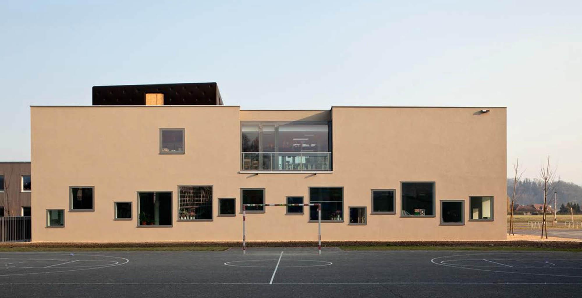 Weinmann energies sa aux isles salle de gym triple et for Salle de bain yverdon